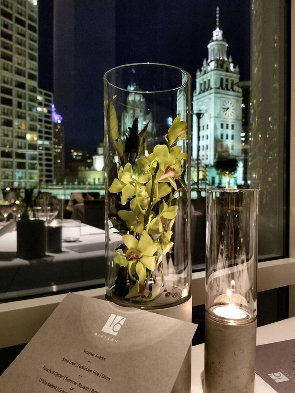 Vázy pro restauraci Sixteen, Chicago